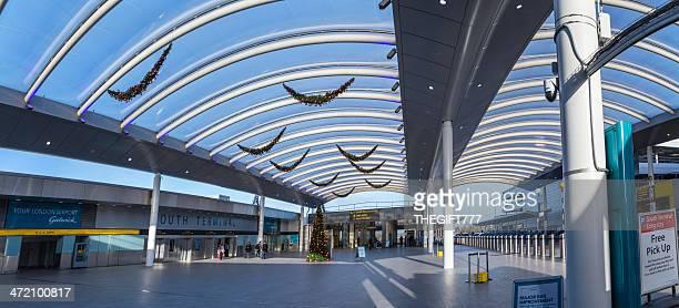 ガトウィック空港よりお越しの場合 - ガトウィック空港 ストックフォトと画像