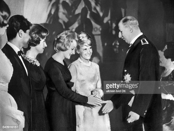 Gaulle Charles de Politician France*22111890 welcoming Marlene Dietrich at a gala evening in the Palais de Chaillot in Paris at the left Danielle...