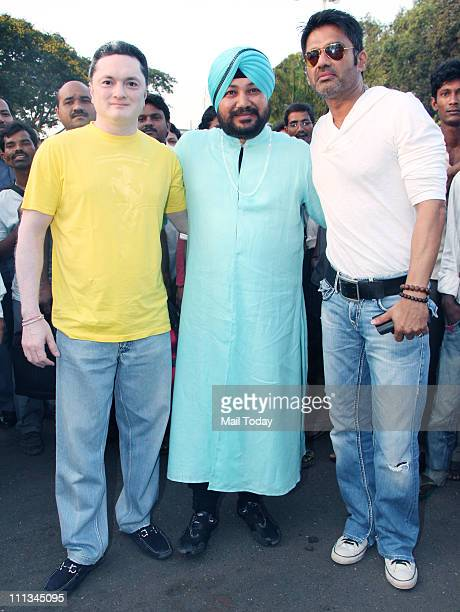 Gautam Singhania Daler Mehndi and Sunil Shetty spotted leaving for Mohali to watch World Cup semifinal between India and Pakistan