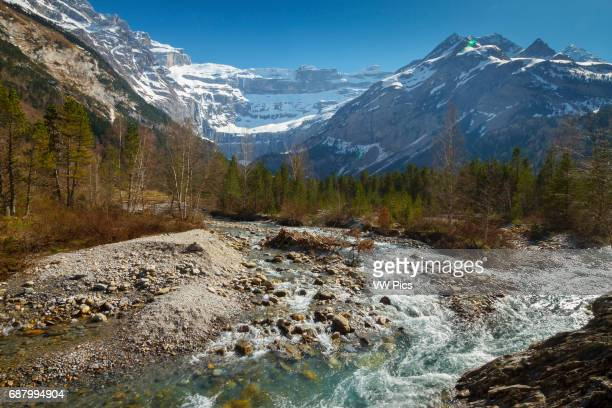Gavarnie glacier cirque and Gave de Gavarnie river. Hautes-Pyrenees department, Midi-Pyrenees region, France, Europe.