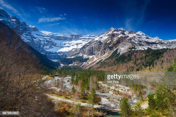 Gavarnie glacier cirque. Hautes-Pyrenees department, Midi-Pyrenees region, France, Europe.