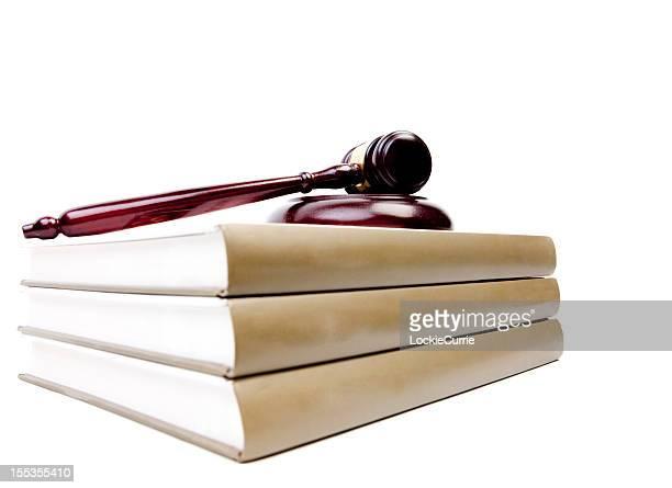 Martelo de Juiz e livros