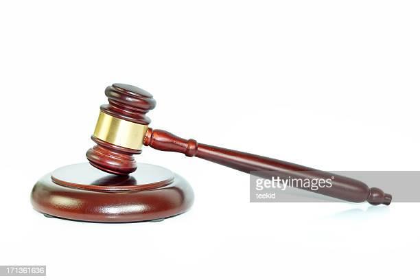 Martelo de Juiz isolado a branco