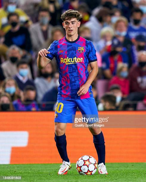 Gavi Paez of FC Barcelona controls the ball during the UEFA Champions League group E match between FC Barcelona and Dinamo Kiev at Camp Nou on...
