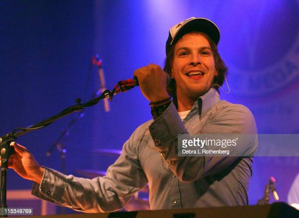 Gavin DeGraw during 2004 Virgin College Mega Tour Featuring Michelle Branch Gavin DeGraw and Joe Firstman March 28 2004 at Manhattan College in New...