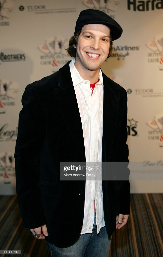 Cam Neely Foundation Fundraiser - Monte Carlo Night - Betting on a Cause and a Cure - January 28, 2006 : News Photo
