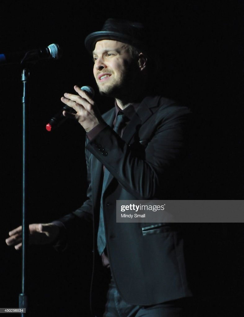 Gavin DeGraw performs at MGM Grand Garden Arena on June 7, 2014 in Las Vegas, Nevada.