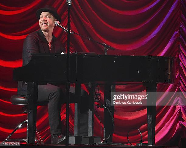 Gavin DeGraw performs at Nassau Coliseum on July 1 2015 in Uniondale New York