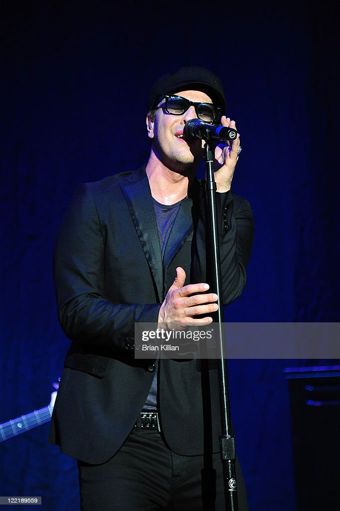 Gavin DeGraw performs at the PNC Bank Arts Center on August