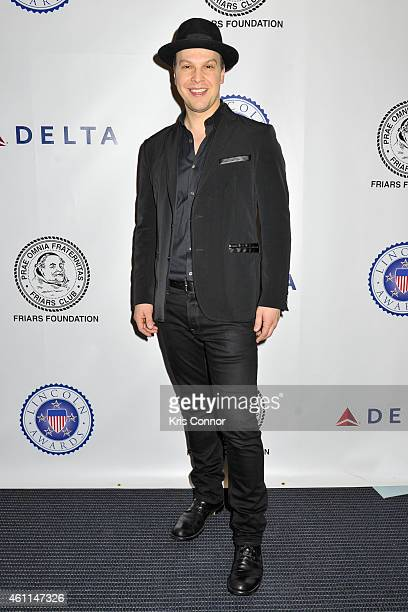 Gavin DeGraw poses on the red carpet during 'The Lincoln Awards 2015 A Concert for Veterans And Military Families' at John F Kennedy Center for the...