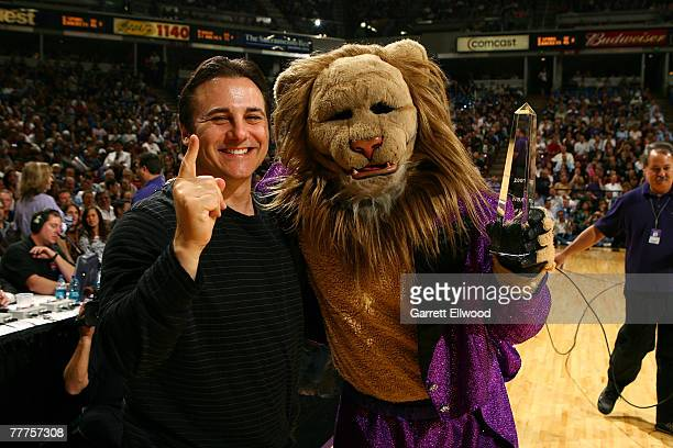 Gavin Maloof poses for a photo with Slamson of the Sacramento Kings during the game against the Seattle Supersonics on November 6 2007 at Arco Arena...