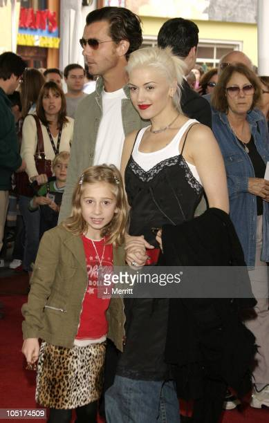 """Gavin Rossdale, Gwen Stefani and niece during World Premiere of """"The Cat In The Hat"""" at Universal Studios Cinemas in Hollywood, California, United..."""