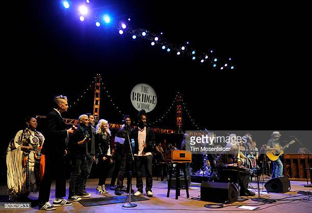Gavin Rossdale Gwen Stefani Sheryl Crow Pegi Young Neil Young Andrew Stockdale and Robin Pecknold perform the Finale of the 23rd Annual Bridge School...