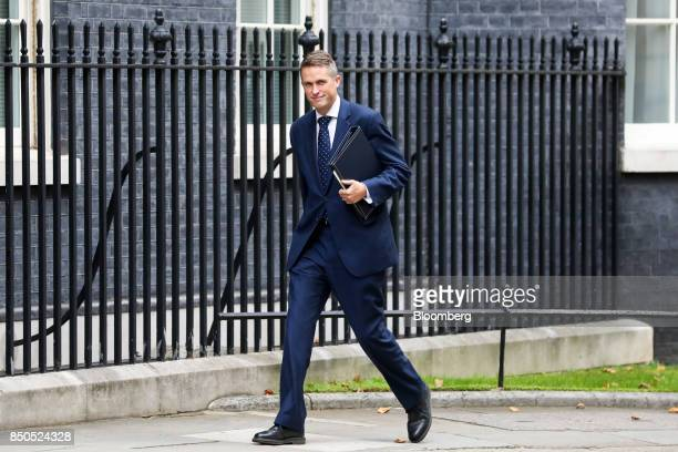 Gavin Williamson UK parliamentary secretary arrives for a special cabinet meeting at number 10 Downing Street in London UK on Thursday Sept 21 2017...