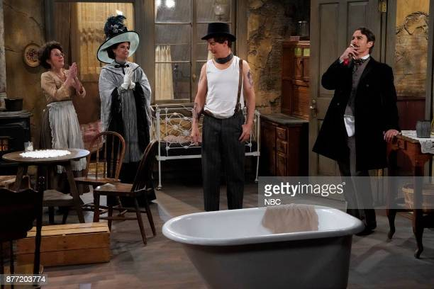 WILL GRACE 'A Gay Olde Christmas' Episode 109 Pictured Megan Mullally as Karolyn O'Malley Debra Messing as Fanny Van Williams Sean Hayes as John...