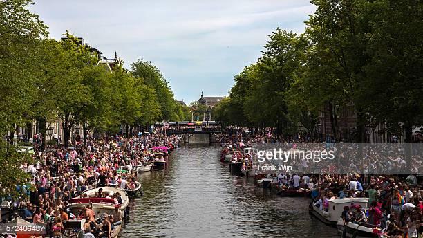 Gay Pride Amsterdam: Crowded street