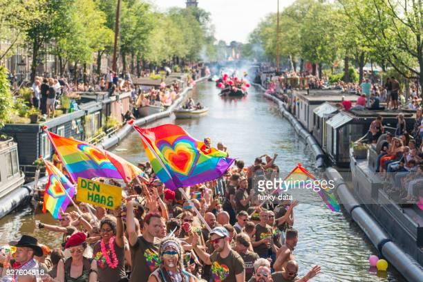 desfile de canal gay pride amsterdam - desfiles e procissões - fotografias e filmes do acervo