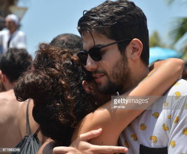 gay pride parade in tel aviv - israeli men stockfoto's en -beelden