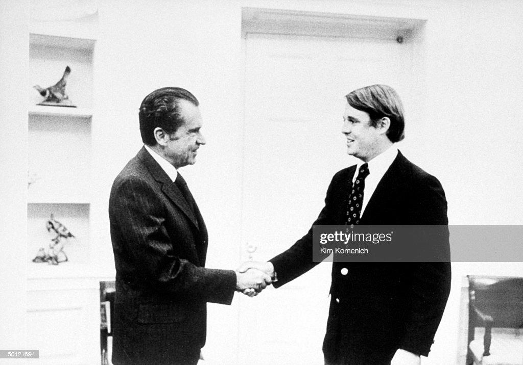 Richard M. Nixon;Armistead Maupin : Nachrichtenfoto