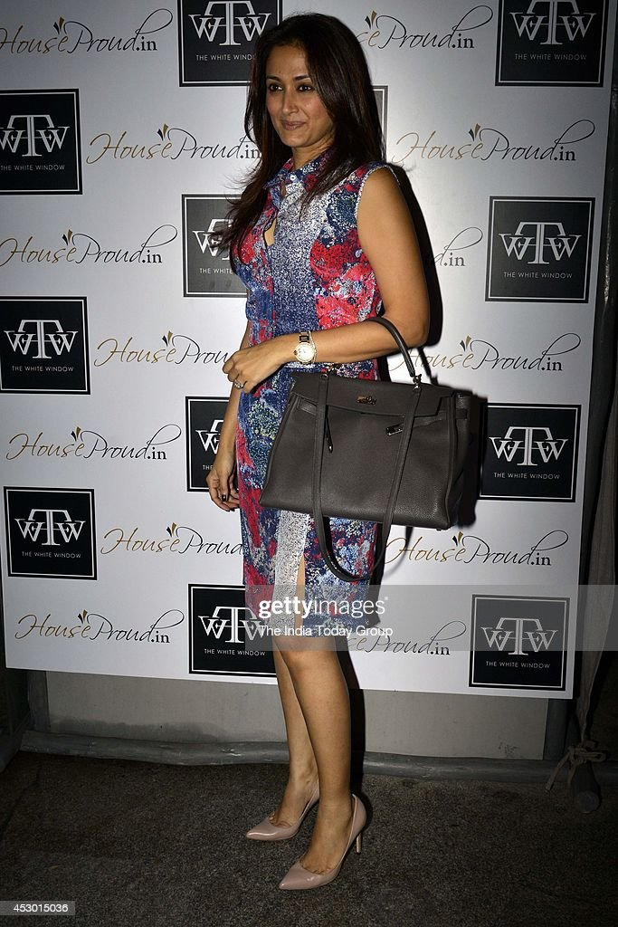 Gayatri at the launch of new collection at Twinkle Khannas store `The White Window` in Mumbai