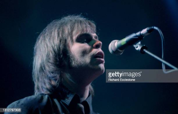 Gaz Coombes of Supergrass performs on stage at Wembley Arena, London on 25th January 2003.