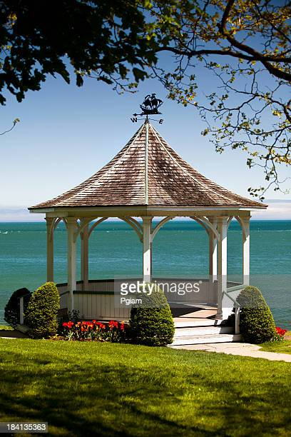 gazebo over the water - niagara river stock pictures, royalty-free photos & images