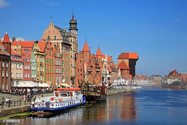 gdansk, old town and motlawa river - motlawa river stock pictures, royalty-free photos & images