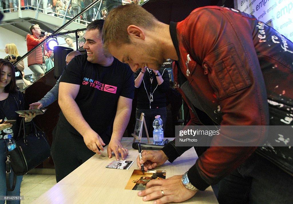 Armin Van Buuren meets fans in Gdansk