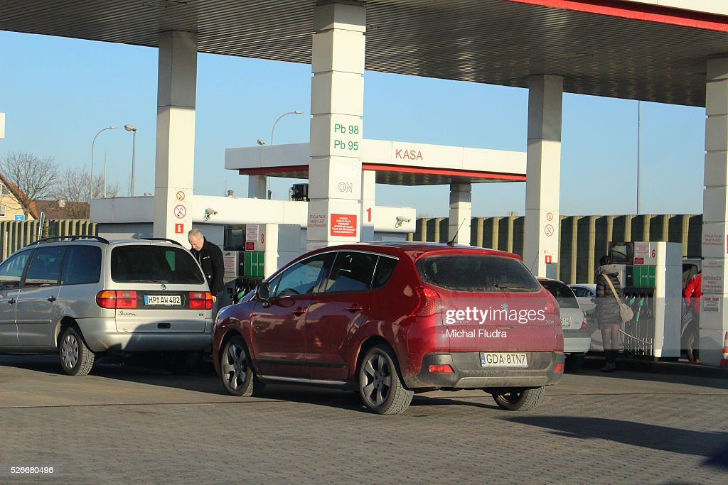 Gdansk Poland 31st Dec 2015 Lady Refuels Car At Auchan