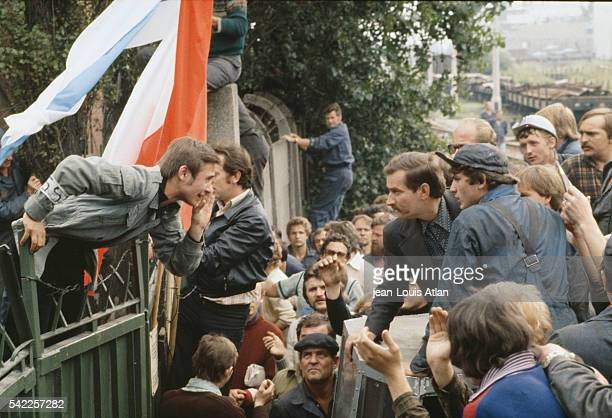 Gdansk shipyard workers on strike with their representative Lech Walesa before negociations between Walesa and Polish leader General Jaruzelski about...