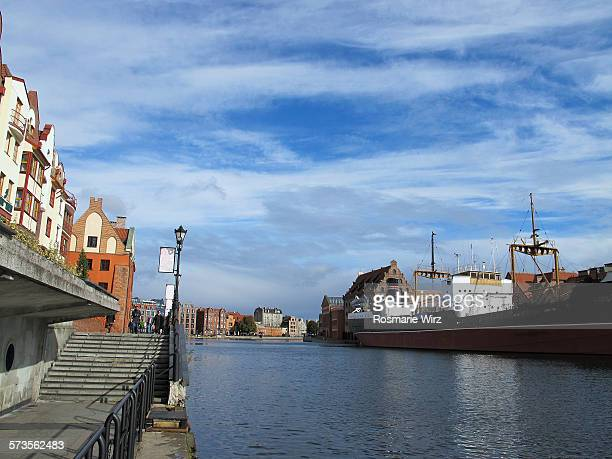 gdansk waterfront promenade - motlawa river stock pictures, royalty-free photos & images