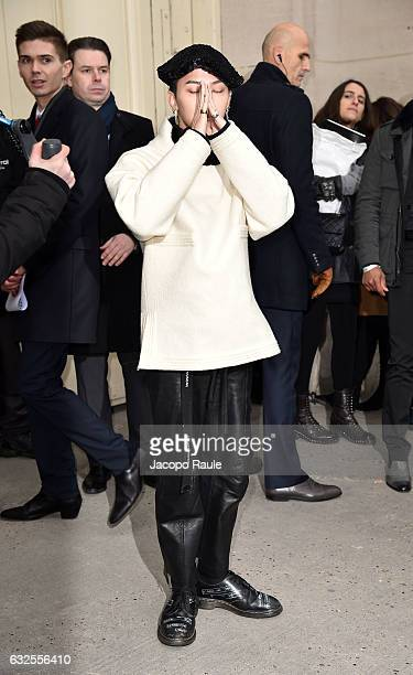 Dragon arrives at the Chanel Fashion Show during Paris Fashion Week Haute Couture F/W 20172018 on January 24 2017 in Paris France