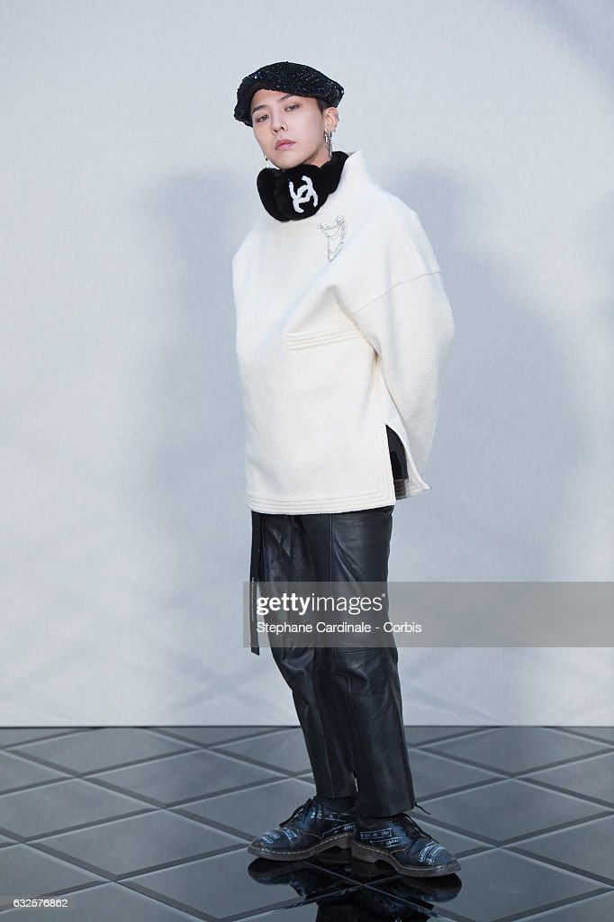 Chanel : Front Row - Paris Fashion Week - Haute Couture Spring Summer 2017 : News Photo