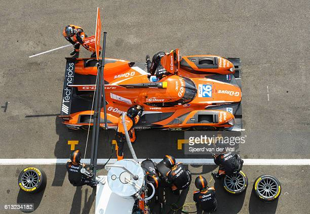 g-drive racing oreca 05 - nissan pit stop - racing car stock pictures, royalty-free photos & images
