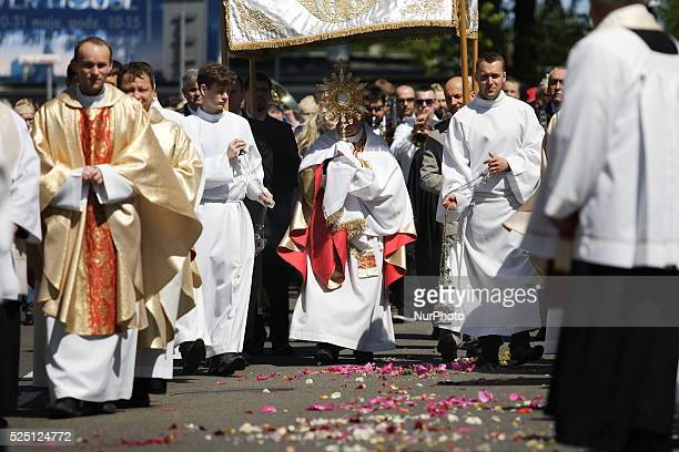 60 Top Monstrance Pictures, Photos, & Images - Getty Images