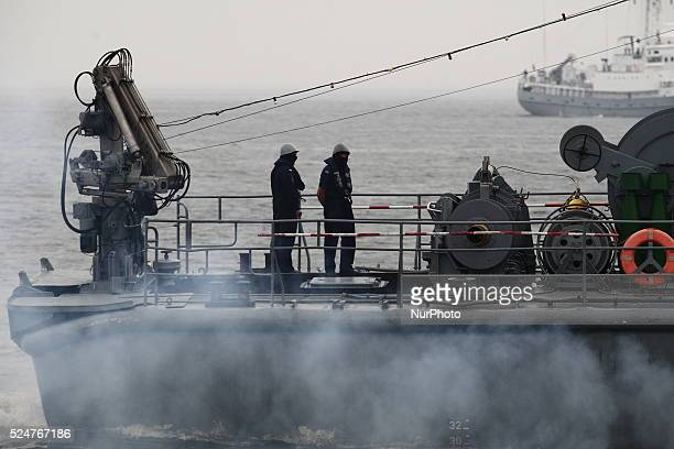 Gdynia Poland 29th June 2014 Polish Navy special unit ' Formoza ' soldiers training in Gdynia Port Specials trains boarding on the enemy ship on the...