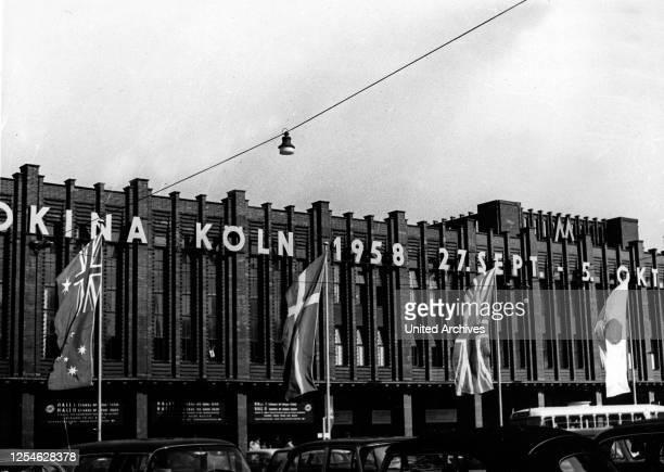 Gebäude der KölnMesse in Köln Deutz während der Photokina 1958, Deutschland 1950er Jahre.