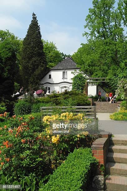 Geburtshaus Fryderyk Chopin in Zelazowa Wola inmitten einer sehr schoenen Parkanlage gibt es eine Ausstellung im Haus