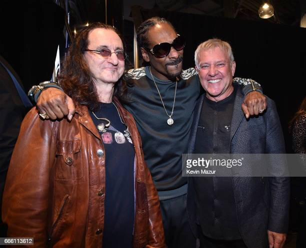 Geddy Lee of Rush Snoop Dogg and Alex Lifeson of Rush attend 32nd Annual Rock Roll Hall Of Fame Induction Ceremony at Barclays Center on April 7 2017...