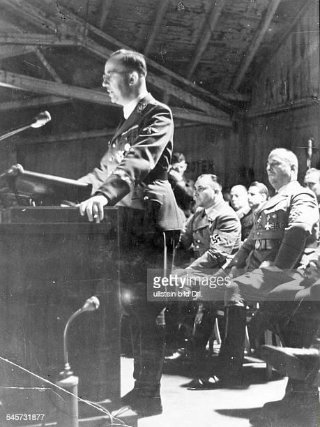 Gedenkfeier zu Ehren der Opfer desPutsches im Zirkus Krone zugleichVereidigung von Angehörigen des DeutschenVolkssturmes Heinrich Himmler...