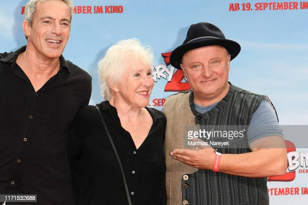 """Gedeon Burkhard, Elisabeth von Molo and Axel Prahl attend the premiere of the movie """"Angry Birds 2 - Der Film"""" at CineStar on September 01, 2019 in..."""