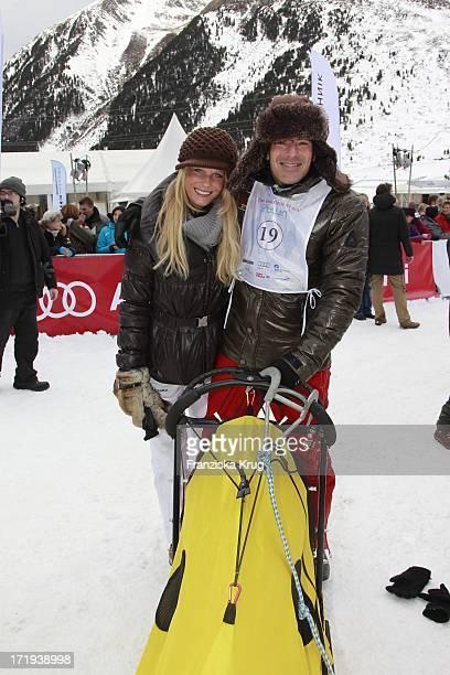 Gedeon Burkhard Mit Freundin Anika Bormann Am Tag Des Rennens Beim Tirol Cross Mountain 2011 In Kühtai