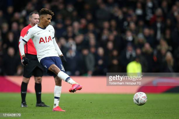 Gedson Fernandes of Tottenham Hotspur fails to score a penalty in the penalty shootout during the FA Cup Fifth Round match between Tottenham Hotspur...