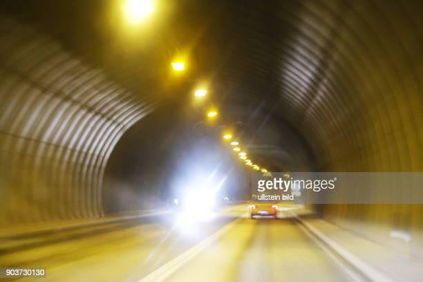 Gefahr durch schlechte Sicht ein einem Tunnel auf der Ringstrasse 1 zwischen Borgarnes und Reykjavik
