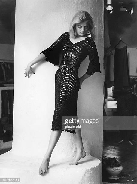 gehäkeltes Kleid in Schwarz1970