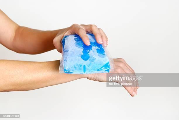 gel pack on wrist