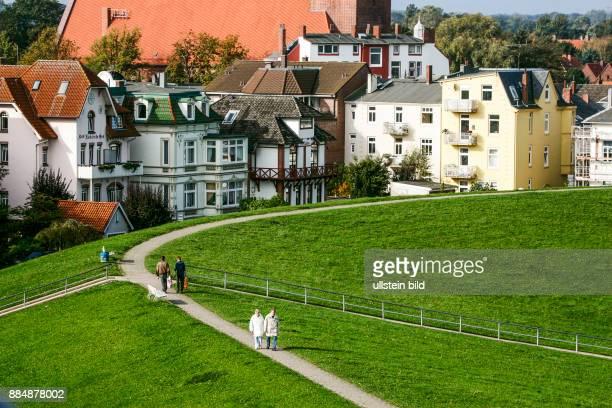 Geldanlage Investition Rendite Super Immobilien in Cuxhaven Nähe Strand Spaziergang gesehen im Oktober 2015