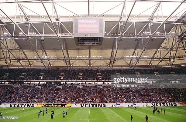 1 BUNDESLIGA 01/02 Gelsenkirchen FC SCHALKE 04 BORUSSIA DORTMUND 10 ARENA AUF SCHALKE