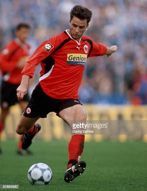 1 BUNDESLIGA 00/01 Gelsenkirchen FC SCHALKE 04 EINTRACHT FRANKFURT 40 Alexander SCHUR/FRANKFURT