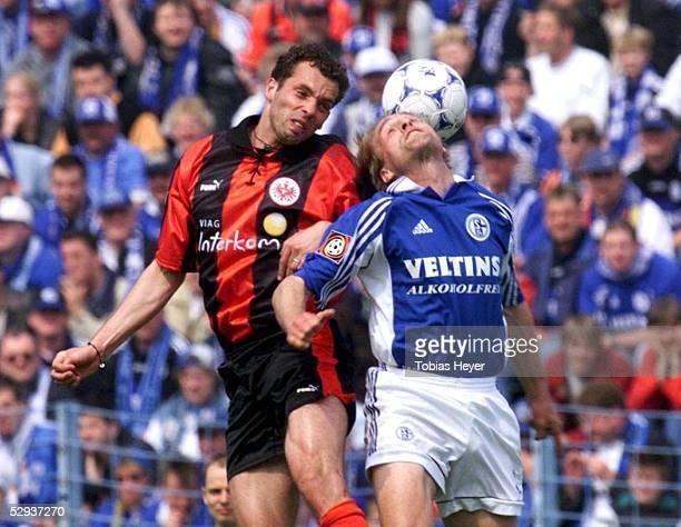 BUNDESLIGA 98/99 Gelsenkirchen FC SCHALKE 04 EINTRACHT FRANKFURT Ralf WEBER/Frankfurt Oliver HELD/Schalke